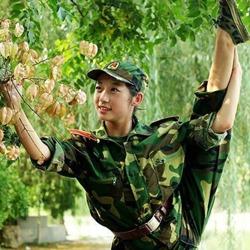 另类军训照:山东大学生娘子军