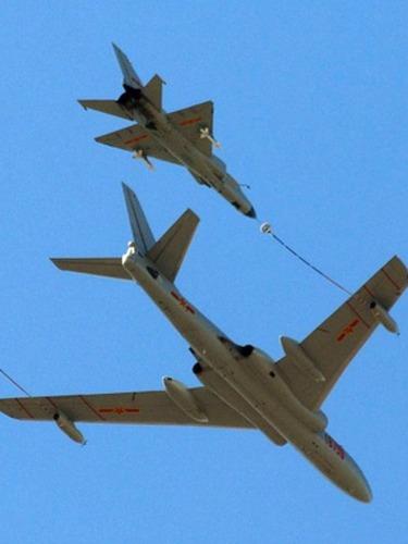 最新型轰6K轰炸机大机群照曝光