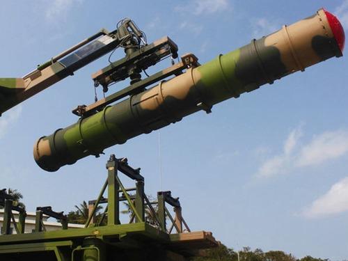 出动最强防空弹 解放军增援鸭绿江