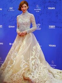 北京电影节闭幕式红毯 中外女神齐聚[图集]