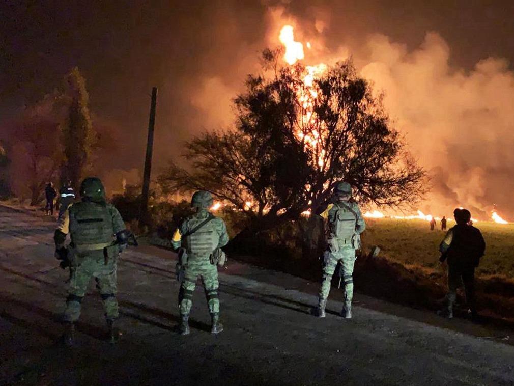墨西哥燃料管道发生爆炸 致至少20人死亡54人伤[图集]