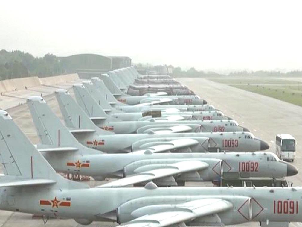 高空视角 中国央视发布解放军换装轰-6K演训视频[图集]